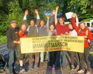 Mammutmarsch-Crew